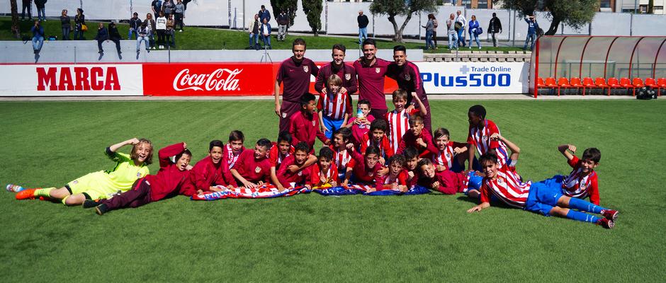 2016-2017 - Alevín A: Celebración liga GALERÍA ACADEMIA 2017