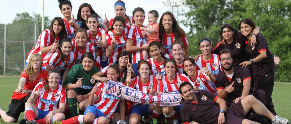 Temporada 2012-2013. El Féminas C celebrando el título de Liga
