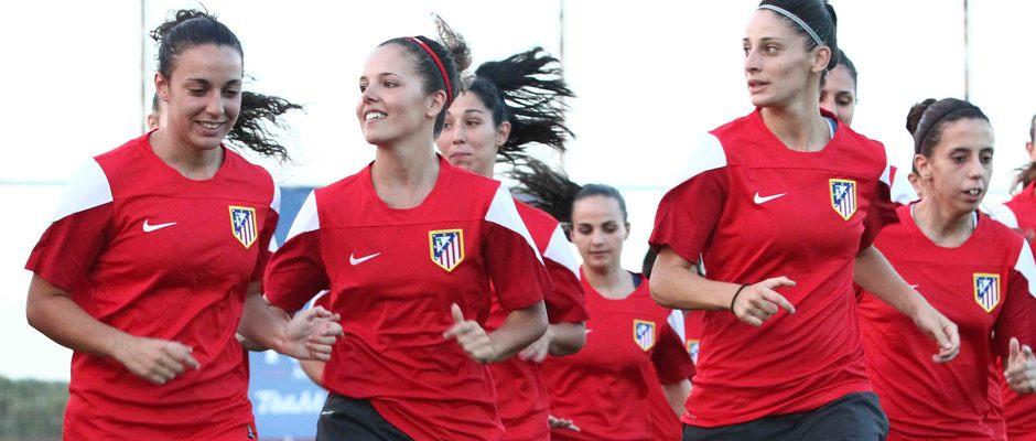 Temporada 2013-2014. Las jugadoras bromearon en el primer entrenamiento