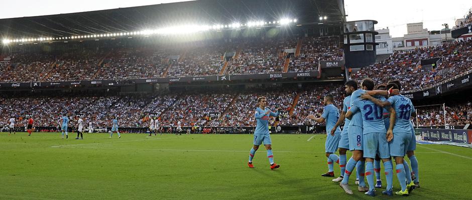 Temp. 18/19 | Valencia - Atlético de Madrid | Celebración piña 1