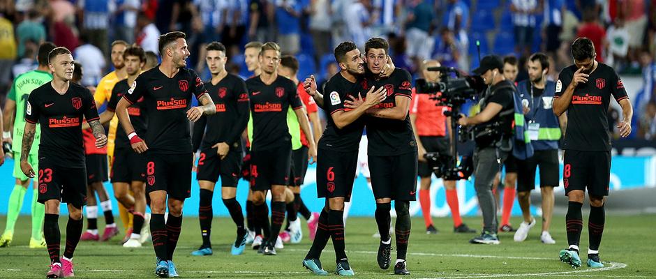 Temporada 19/20 | CD Leganés - Atlético de Madrid | Equipo saludando a la afición