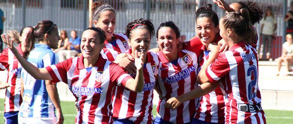 Temporada 2013-2014. Las jugadoras celebran el primer gol ante la Real Sociedad
