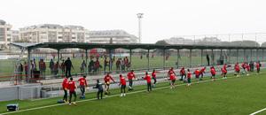 temporada 13/14. Entrenamiento en la Ciudad deportiva de Majadahonda. Equipo realizando ejercicios con balón