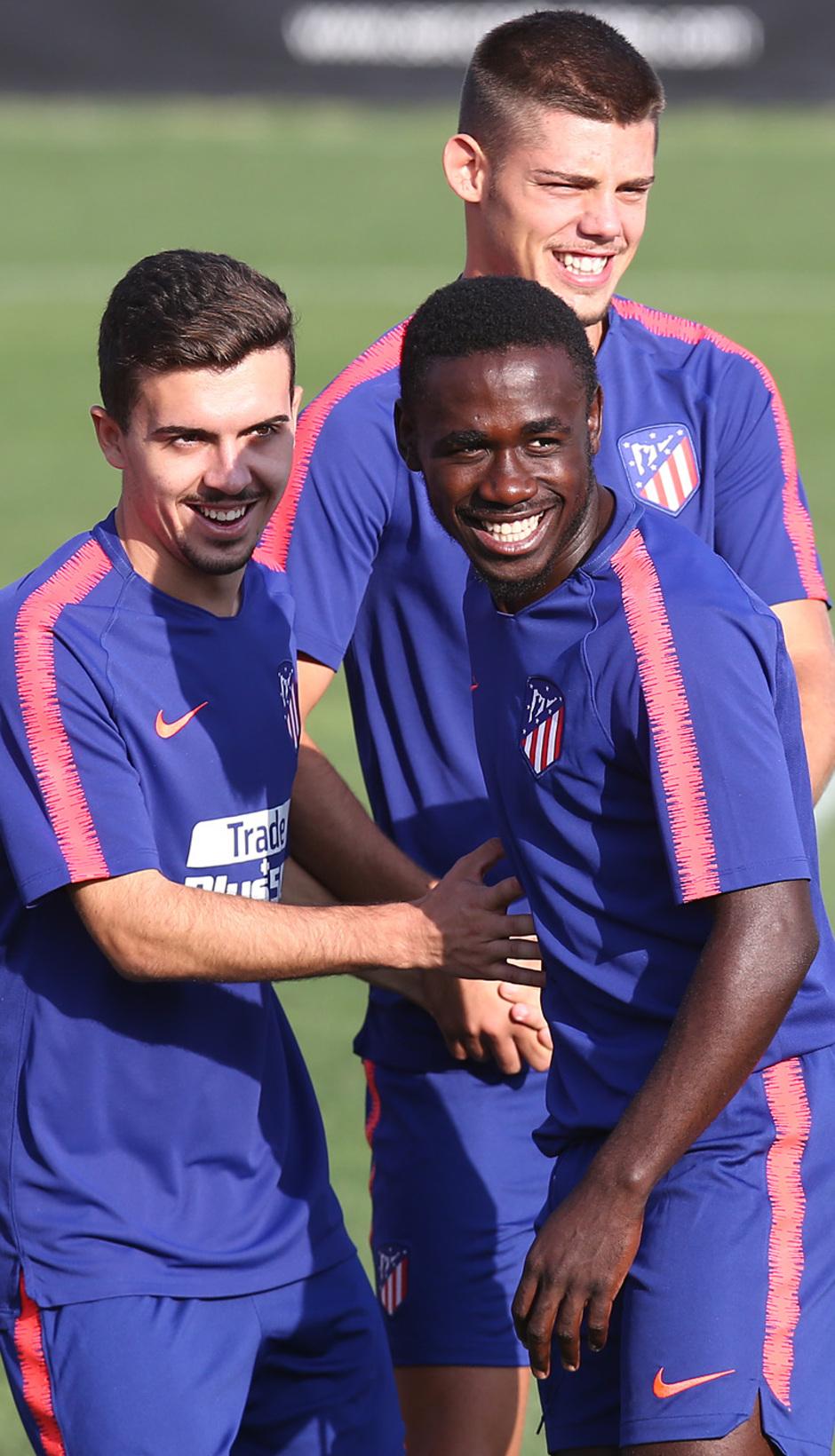 temporada 18/19. Entrenamiento en la ciudad deportiva Wanda. Obama Joaquín y Montero durante el entrenamiento