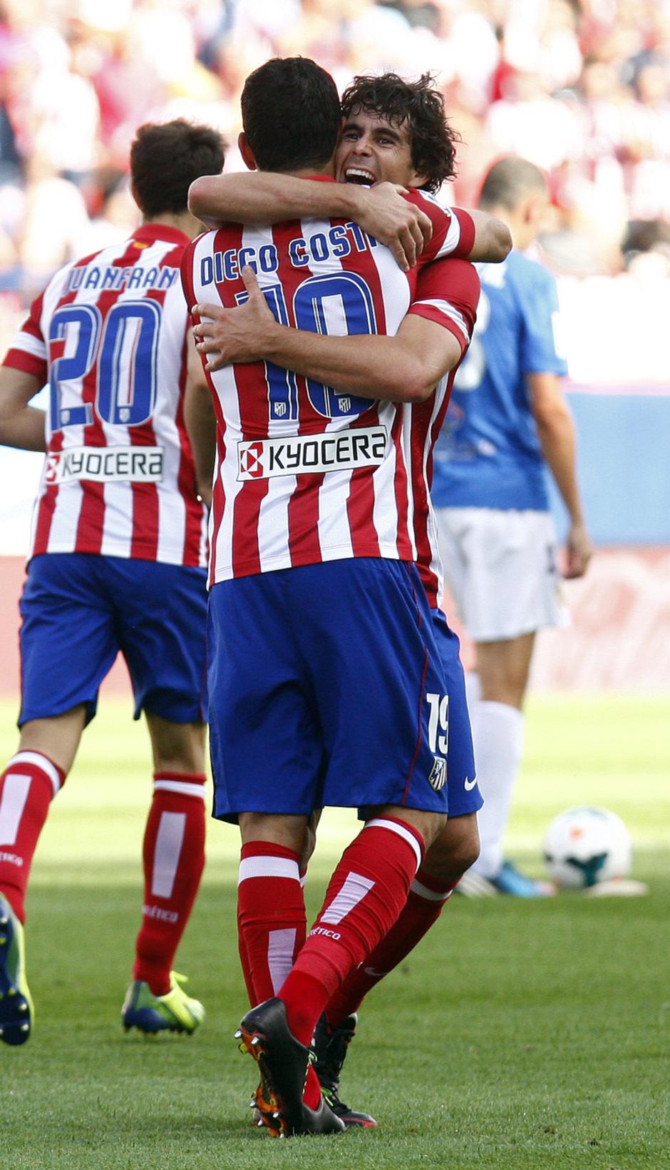 Temporada 13/14. Partido Atlético de Madrid Almería. Celebración gol de Tiago