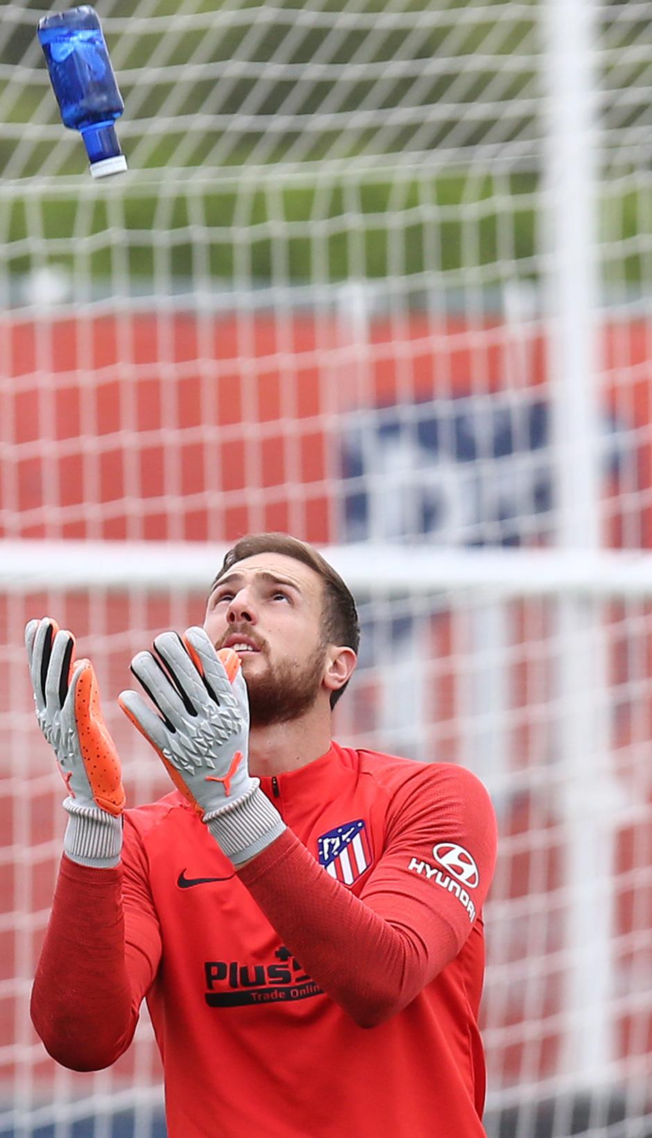 Temp.2019-2020. Entrenamiento del primer equipo. Ciudad Deportiva Wanda. 13/09/2019. Oblak