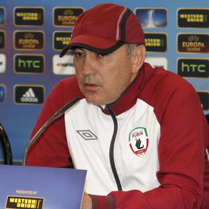 UEFA Europa League 2012-13. Berdyev, técnico del Rubin Kazan, comparece en rueda de prensa en el Vicente Calderón