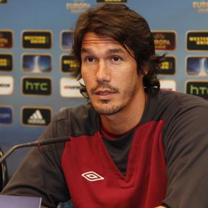 UEFA Europa League 2012-13. César Navas, defensa del Rubin Kazan, comparece en rueda de prensa en el Vicente Calderón
