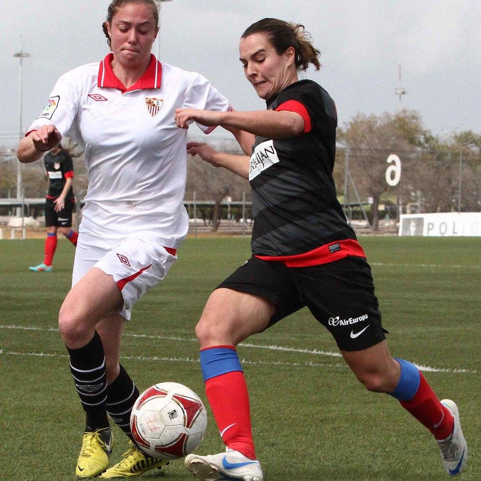 Temporada 2012-2013. Priscila durante el partido ante el Sevilla F.C.