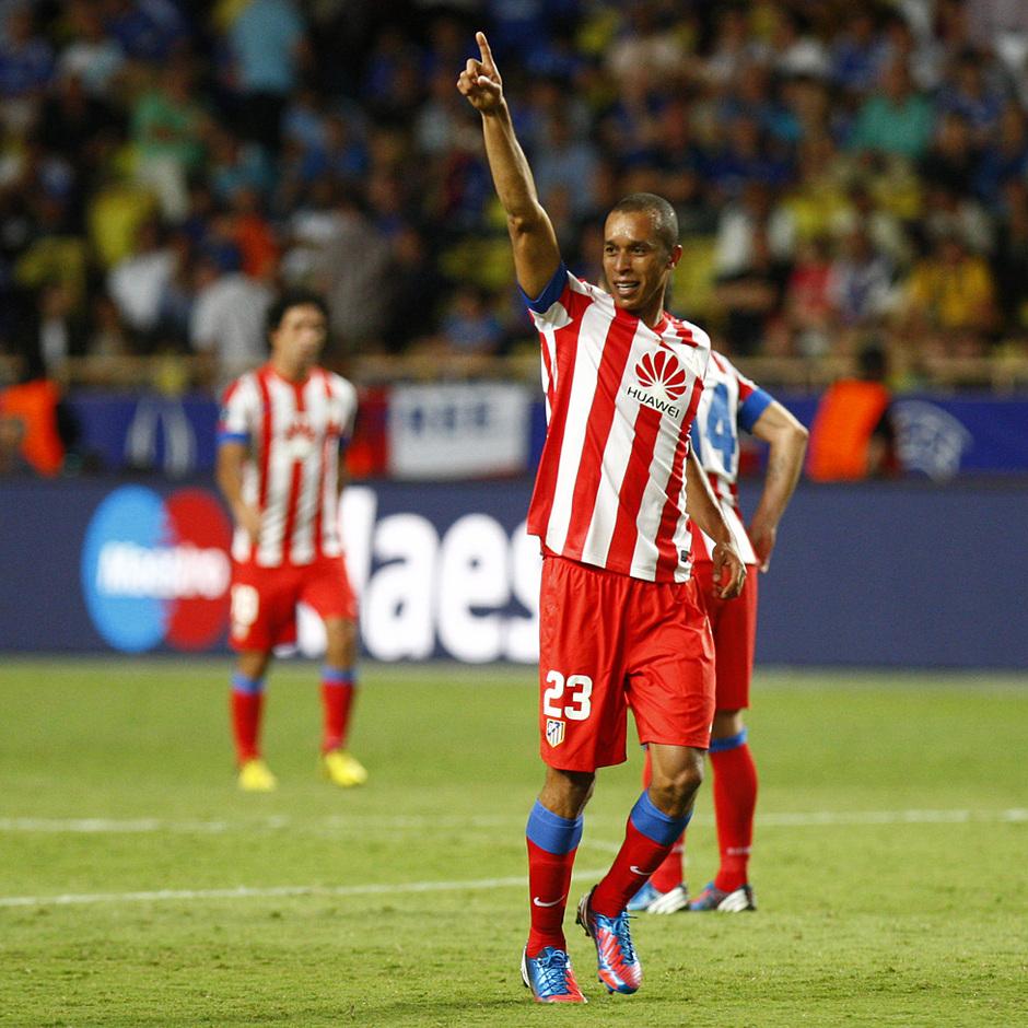 Temporada 12/13. Partido. Miranda celebrando su gol en  la final de la Europa league