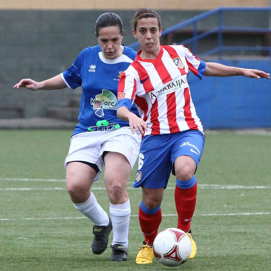 Temporada 2012-2013. Nagore sale del regate ante la capitana del UD Collerense