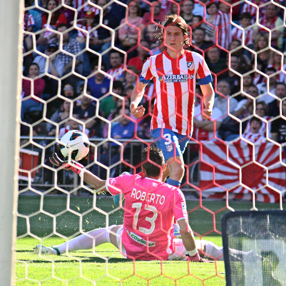 Temporada 12/13. Partido Atlético de Madrid Granada.Gol de Filipe Luis
