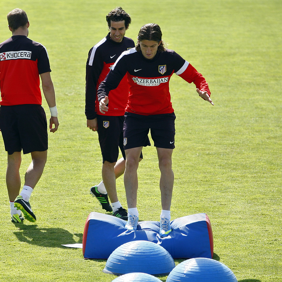 Temporada 12/13. Entrenamiento.Tiago y Filipe realizando ejercicios físicos durante el entrenamiento en la ciudad deportiva de Majadahonda
