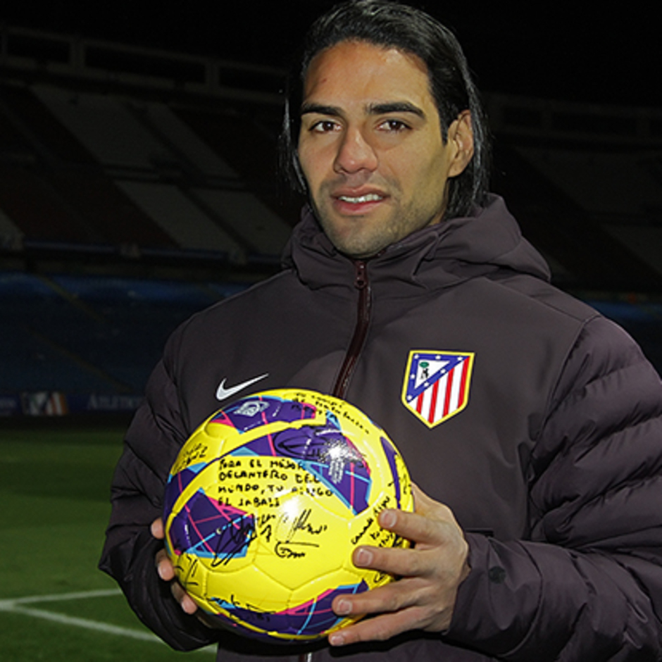 Falcao hace cinco goles al Deportivo