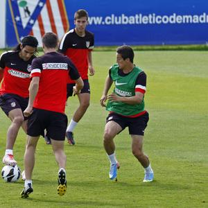 Temporada 2012-2013. Manquillo va a la presión ante Falcao, Gabi y Dani Márquez