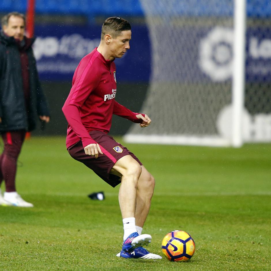 temporada 16/17. Entrenamiento en el estadio Vicente Calderón. Torres durante el entrenamiento