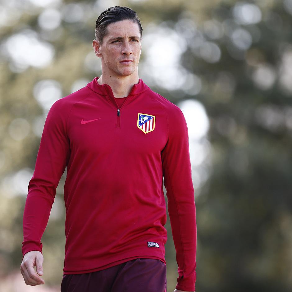 temporada 16/17. Entrenamiento en la ciudad deportiva Wanda.  Torres durante el entrenamiento