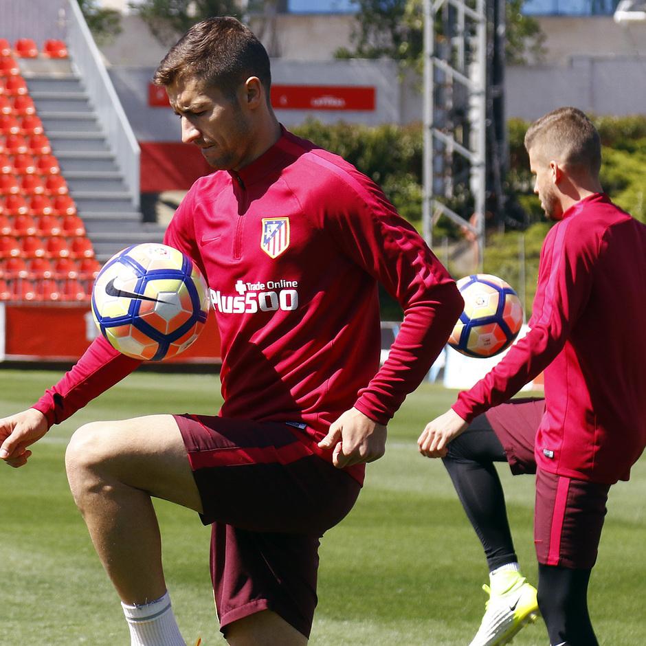 Entrenamiento 27/04/2017 | Ciudad Deportiva Wanda | Gabi