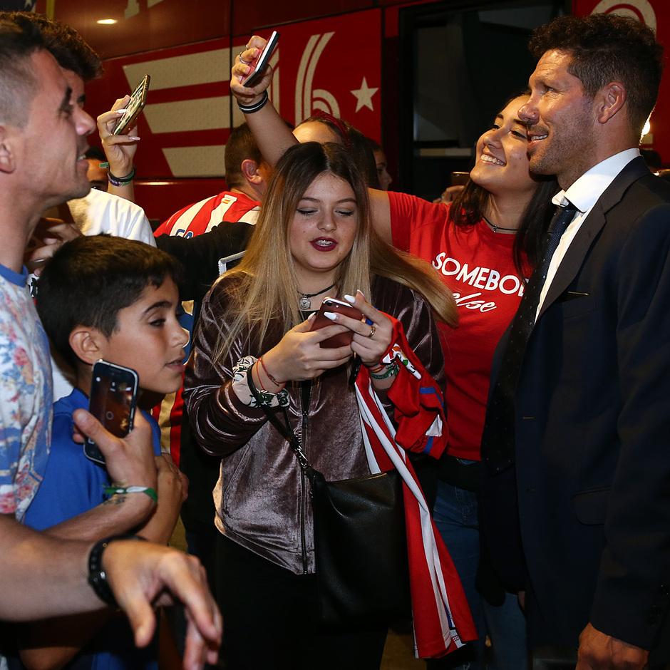 Temp. 16-17. Llegada a Sevilla | Simeone