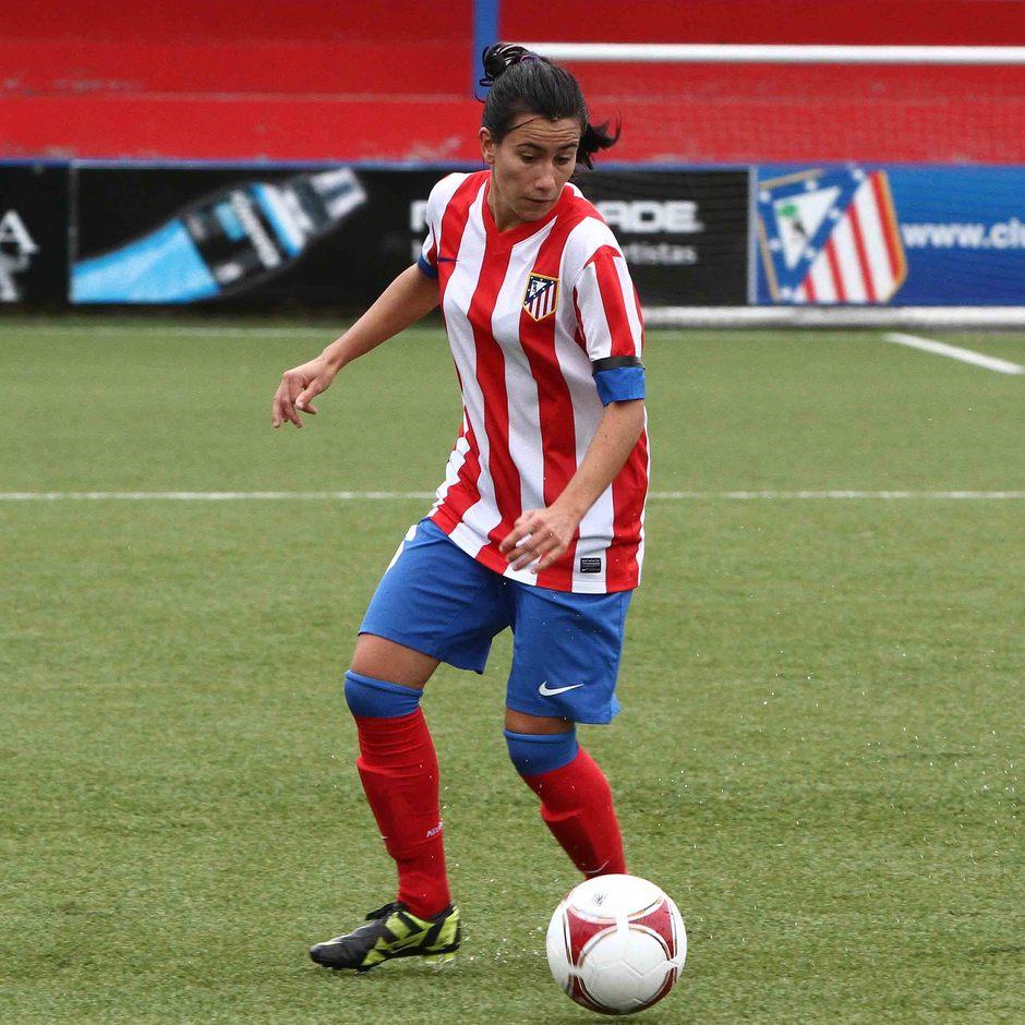 Temporada 2012-2013. Marieta avanza con el balón controlado