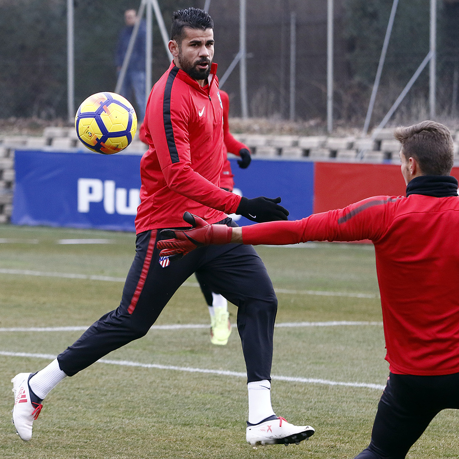 Temporada 17/18 | 01/02/2017 | Entrenamiento del primer equipo | Costa