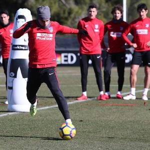 temporada 17/18. Entrenamiento en la ciudad deportiva Wanda. Griezmann durante el entrenamiento.