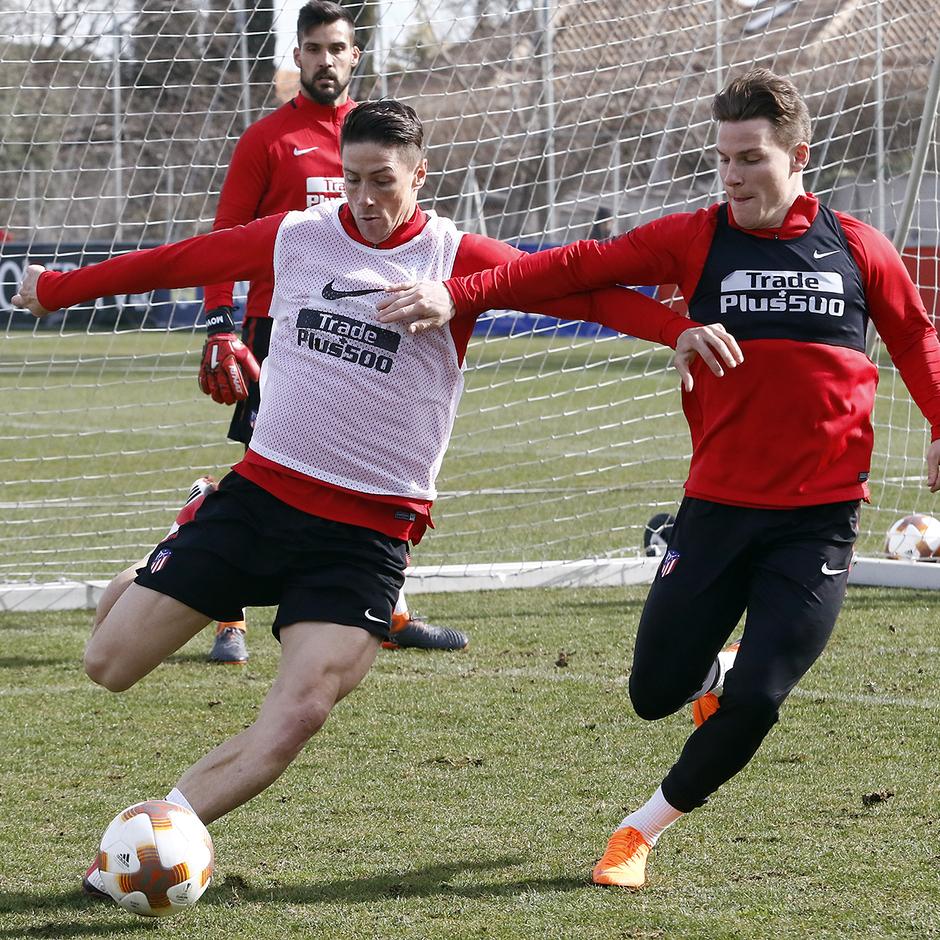 Entrenamiento | 19-02-18 | Fernando Torres y Gameiro