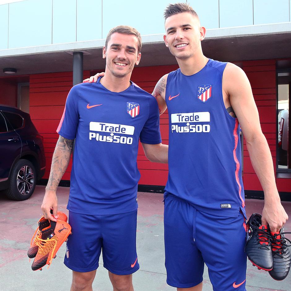 Temp. 18-19 | Entrenamiento del primer equipo en la Ciudad Deportiva Wanda | Griezmann y Lucas