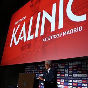 Temp. 18-19 | Presentación de Nikola Kalinic en el Wanda Metropolitano | Enrique Cerezo