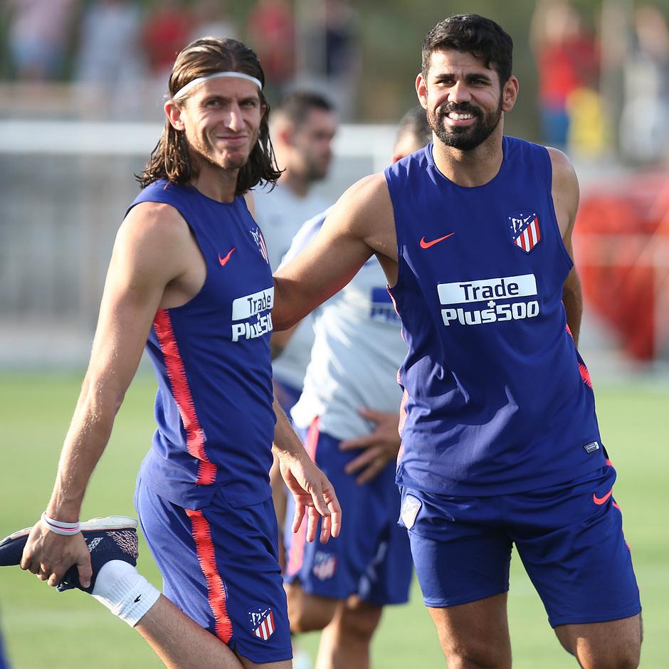 temporada 18/19. Entrenamiento en la ciudad deportiva Wanda. Costa y Filipe durante el entrenamiento