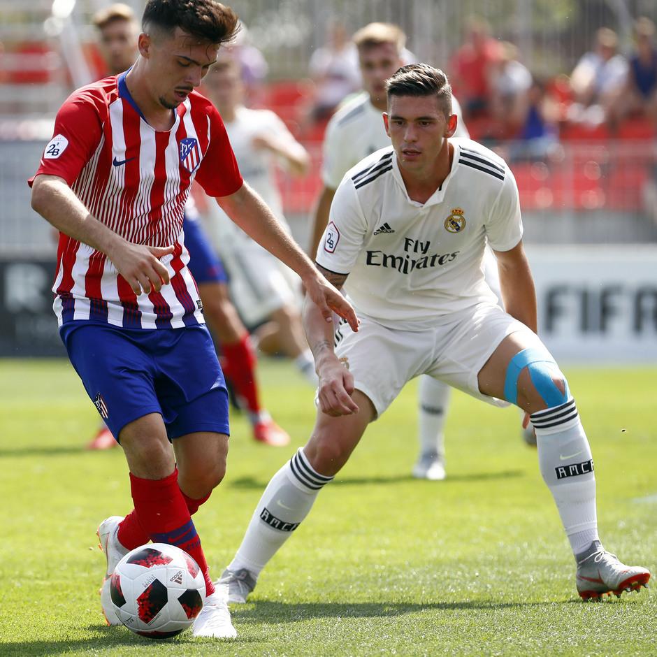 Temporada 2018/2019. Atlético de Madrid B contra el Real Madrid Castilla. Óscar Fernández. Joaquín.