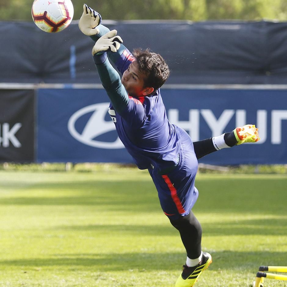 Temporada 18/19 | 04/09/2018 | Entrenamiento en el Wanda Metropolitano | Dos Santos
