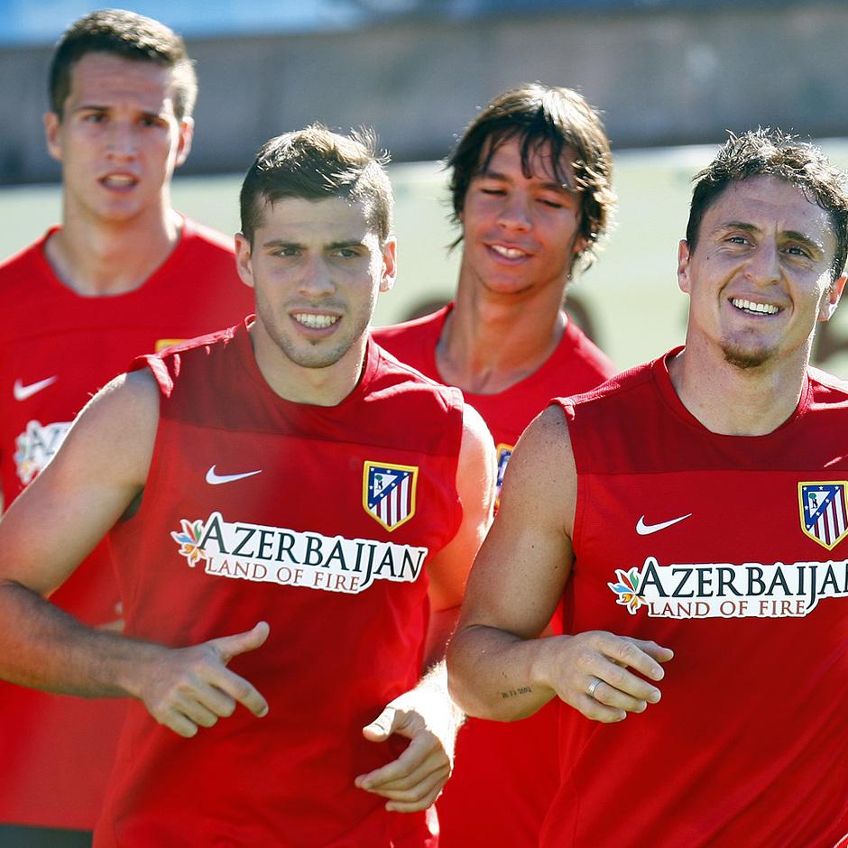 Temporada 13/14. Cristian Rodríguez, Insua, Manquillo y Óliver realizan carrera continua en un entrenamiento