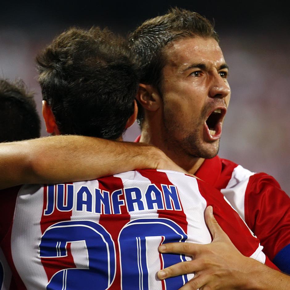 Temporada 13/14. Partido Supercopa. Vicente Calderón. Villa celebrando gol. Gabi gritando gol