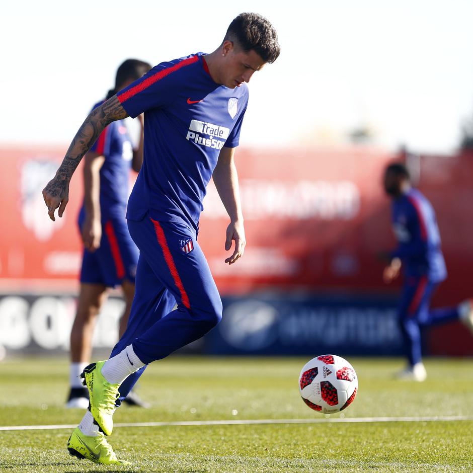 Temporada 18/19. Entrenamiento en la ciudad deportiva Wanda Atlético de Madrid. 04_12_2018. Giménez