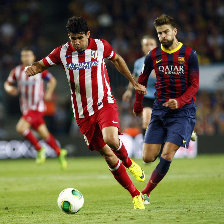 Temporada 2013/2014 FC Barcelona - Atlético de Madrid Diego Costa escapándose de Piqué