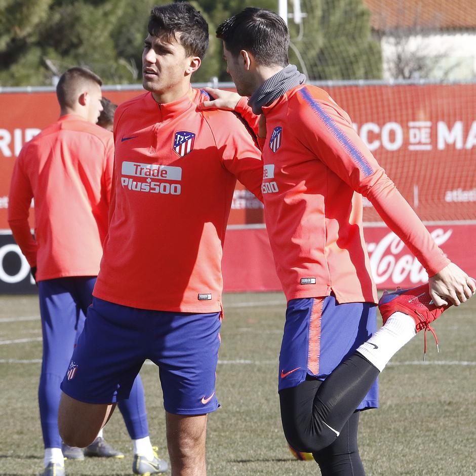 Temporada 18/19 | Entrenamiento del primer equipo | 31/01/2019 | Rodrigo y Morata