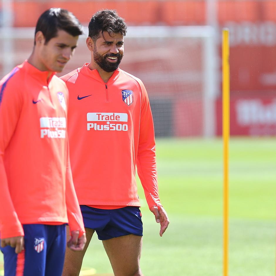 Temporada 18/19 |Entrenamiento en la ciudad deportiva Wanda. Costa y Morata durante el entrenamiento