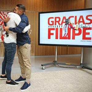 Temporada 19/20   Despedida Filipe Luis   Filipe Luis y Koke
