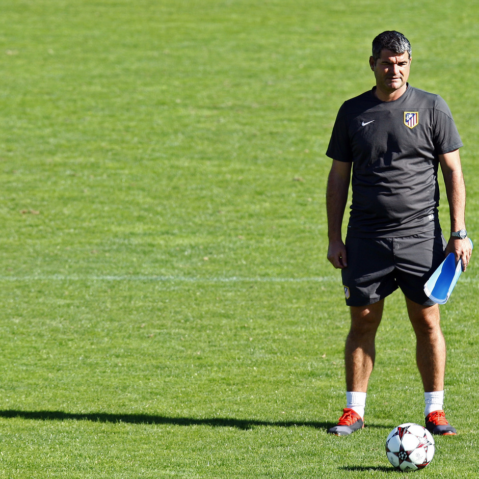 Temporada 13/14. Entrenamiento Juveniles. Roberto Fresnedoso. Juvenil Champions cup