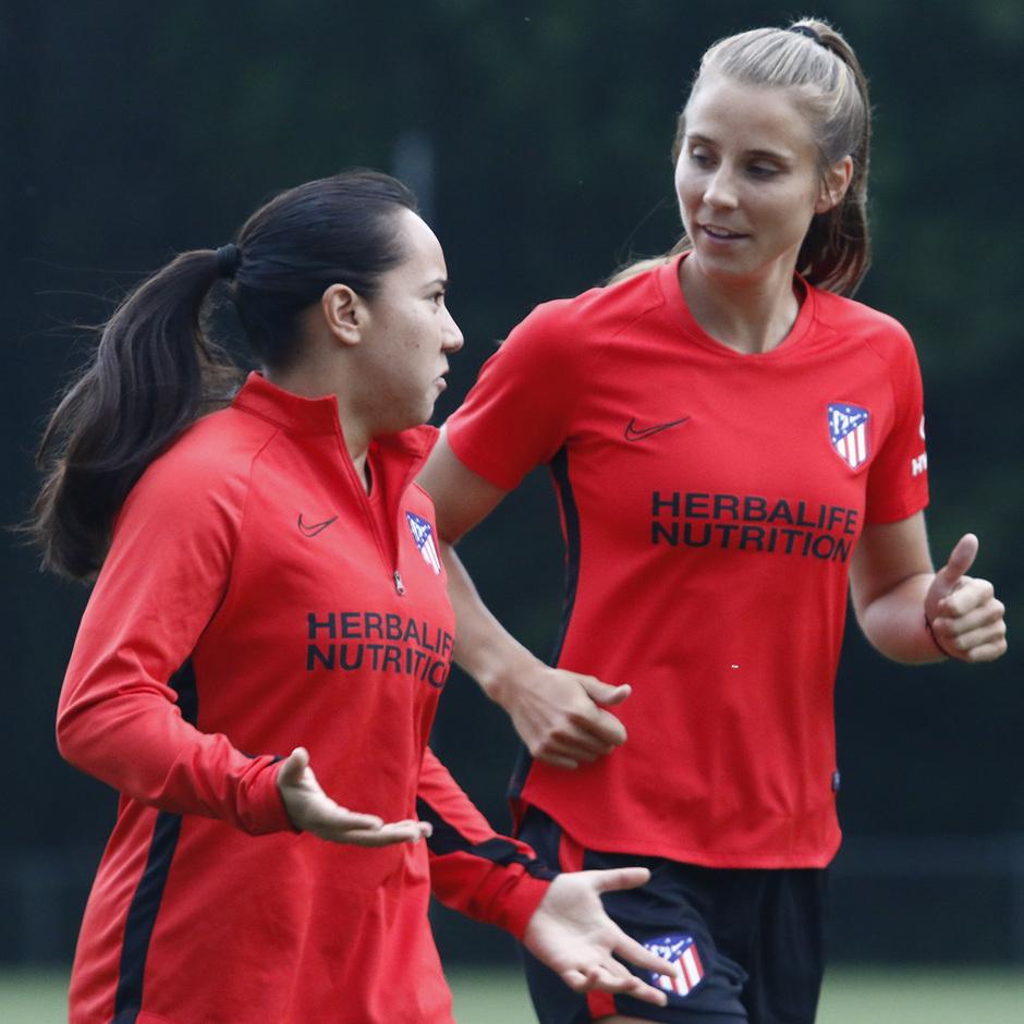 Temporada 19/20   Entrenamiento del Atlético femenino en Raleigh   Charlyn y Kylie
