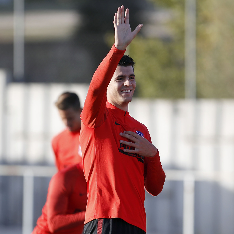 Entrenamiento en la Ciudad deportiva Wanda Atlético de Madrid 15-10-2019. Morata.