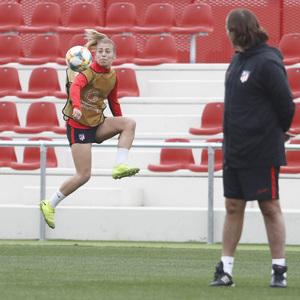 Temporada 19/20 | Atlético de Madrid Femenino | Entrenamiento en el Centro Deportivo Wanda Alcalá de Henares previo al partido de Women's Champions League | Carmen Menayo