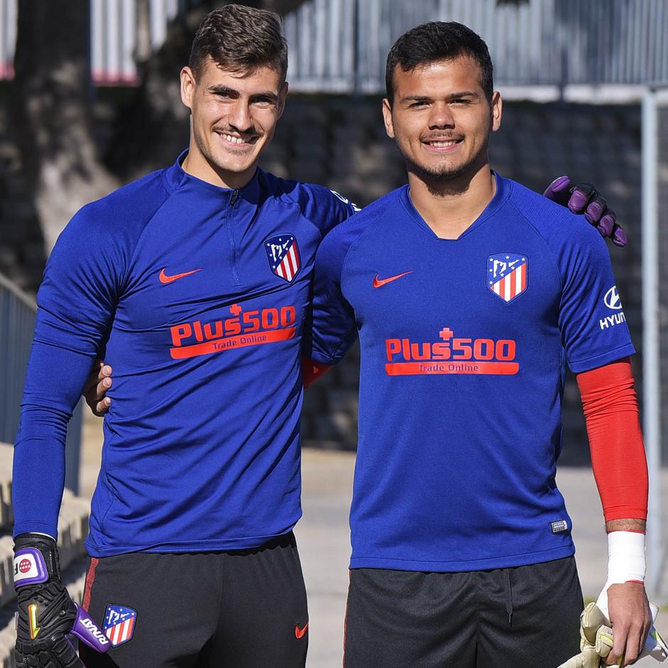 Temporada 19/20. Entrenamiento primer equipo en Majadahonda. Alex dos Santos, Diego. Portero