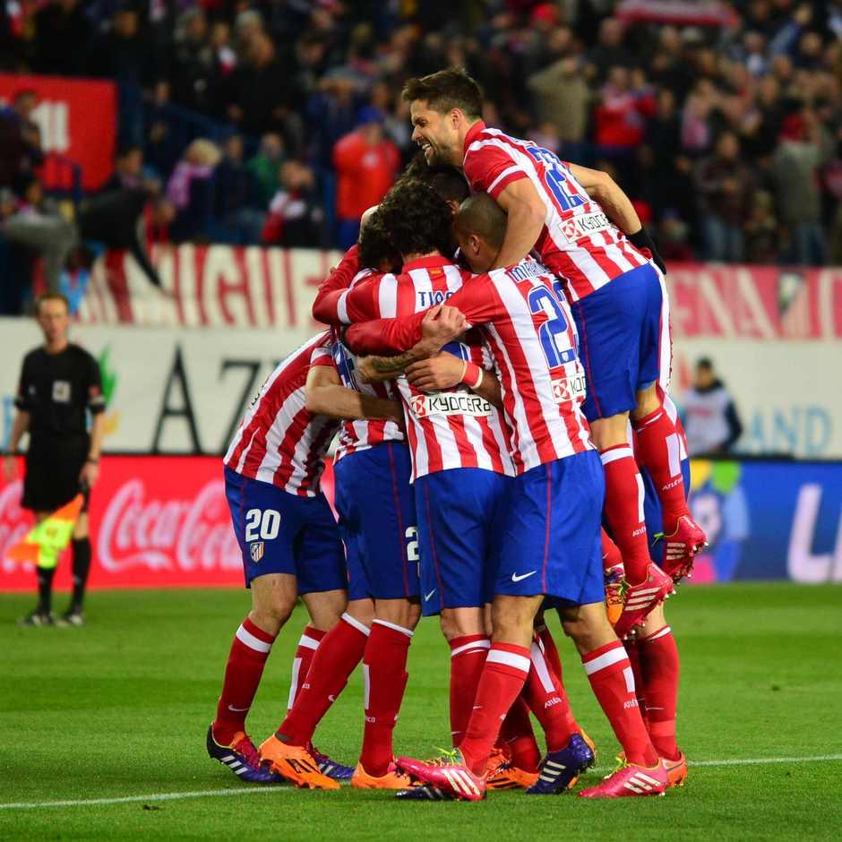 temporada 13/14. Partido Atlético Granada. Celebración Costa. Estadio10