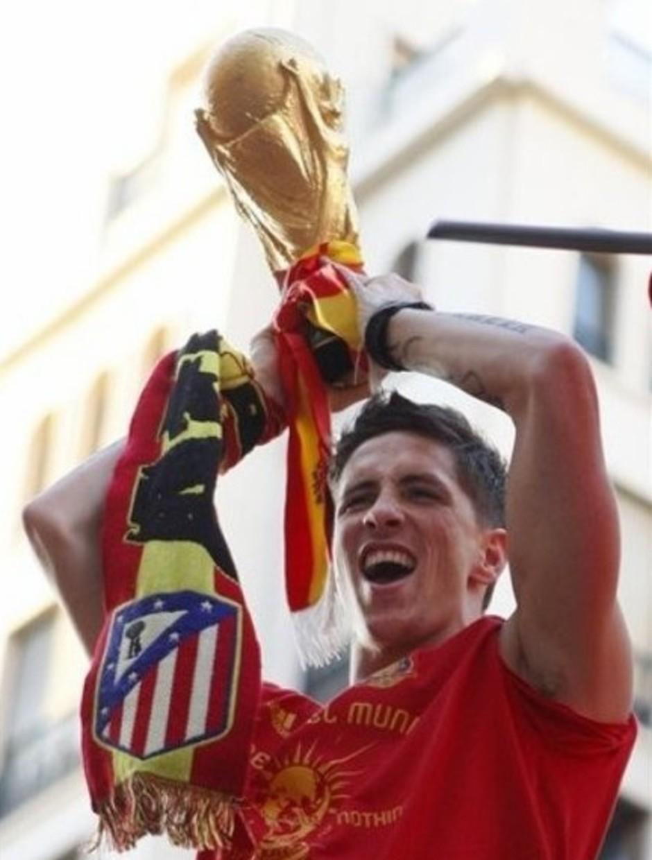 Fernando Torres celebró el Mundial de 2010 con una bufanda del Atlético de Madrid