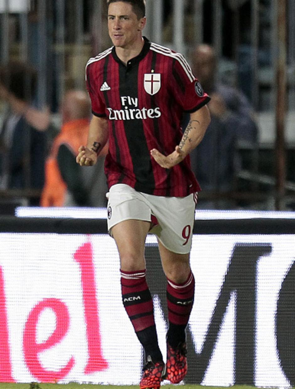 Fernando Torres celebra el primer gol logrado con el Milan