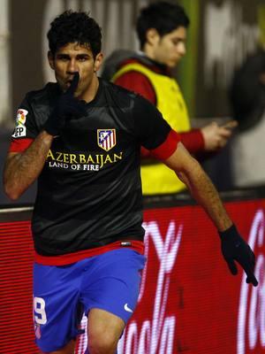 Diego Costa manda callar al estadio El Sadar tras el 0-1