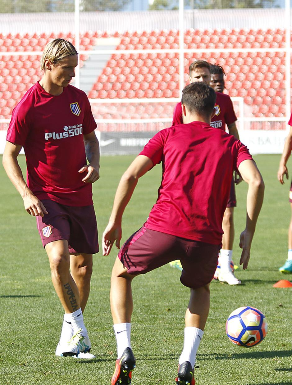 Temporada 16/17. Entrenamiento en la Ciudad deportiva Wanda. Fernando Torres