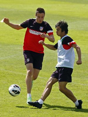 Temporada 2012-2013. Óliver y Saúl pelean un balón